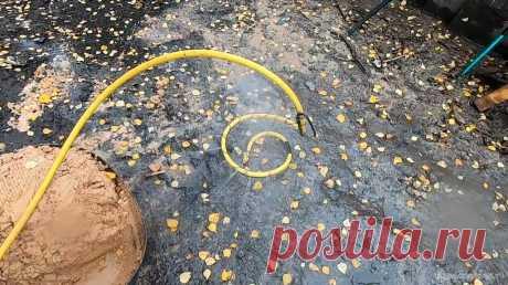 Приспособа для мытья песка (эксперимент) Всем привет, живу далеко от города и в наших краях проблема с песком, а строить нужно, делать стяжки на полу, класть кирпич и так далее. Имеющийся песок мелковат и грязный, обычно в нем глина и какие-то пыльные включения, которые придают ему ярко-оранжевый цвет.При замешивании бетона на таком