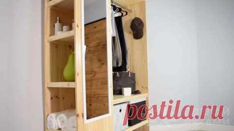 Мобильный шкаф для прихожей из мебельных щитов