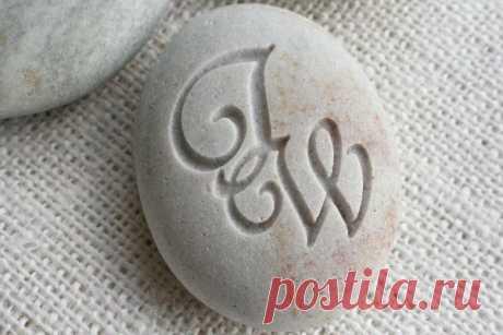 Гравировка по камню: гравировальный станок, виды (лазерная, ручная, пескоструйная), варианты, какие камни подходят и как делают, инструменты