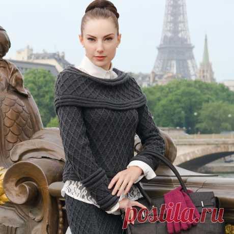 Элегантный женский костюм спицами Предлагаю вашему вниманию женственный и элегантный костюм, состоящий из джемпера и прямой юбки. Оригинальный джемпер со спущенными плечами и оригинально оформленными манжетами, украшенный сплошным узо…