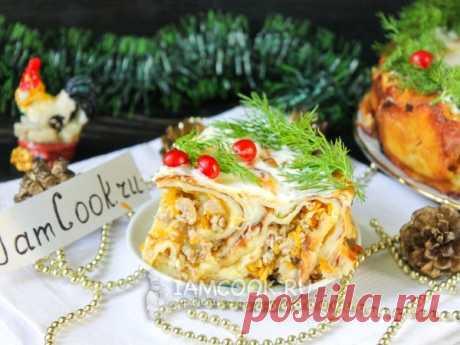 Блинный пирог с куриным фаршем — рецепт с фото Блинный пирог с куриным фаршем - праздничное горячее блюдо, которое первым разойдется с торжественно накрытого стола!