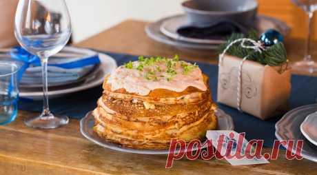 Закусочный блинный торт с форшмаком под сметанной заливкой, пошаговый рецепт с фото