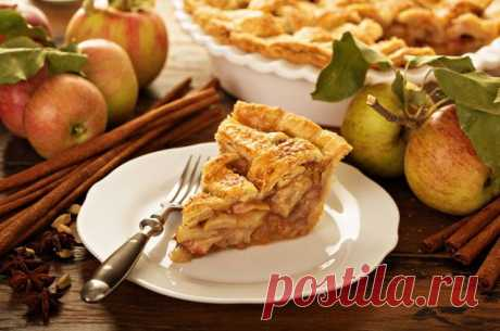 Шарлотки, штрудели, пирожки. Что испечь на Яблочный спас 19 августа отмечаем Яблочный спас пирогами, пирожками и варениками.