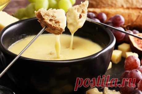 Сырное фондю Сырное фондю Посмотри рецепты с фото. Приготовление блюд из теста, домашние рецепты, классические рецепты есть у нас. Также можно найти рецепты в духовке, рецепты с фото пошагово и другие.