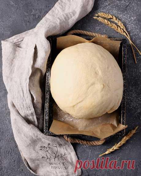 Тесто на кефире для пирожков – рецепт с фото пошагово Рецепт теста на кефире для пирожков с пошаговыми фото. Быстрое в приготовлении бездрожжевое тесто без яиц на основе муки, кефира и подсолнечного масла.