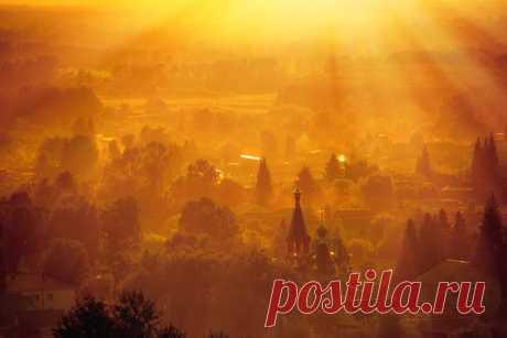 Село Сростки, Алтай. Автор фото: Олег Липатов.