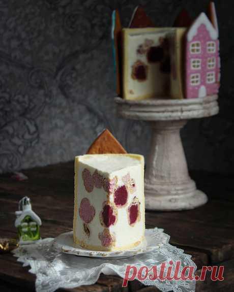 La torta con profitrolyami