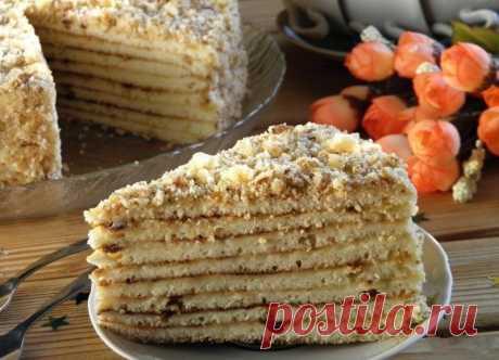 Быстрый торт на сковороде со сгущенкой, который можно приготовить буквально за полчаса.