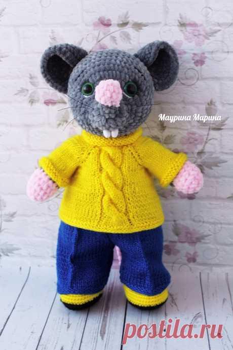 PDF Мышонок Дэн крючком. FREE crochet pattern; Аmigurumi doll patterns. Амигуруми схемы и описания на русском. Вязаные игрушки и поделки своими руками #amimore - Мышь, плюшевая мышка, мышонок, крыса, rat rata, rato, ratte, szczur, szczur, mouse, ratón, maus souris, mysz myši. Amigurumi doll pattern free; amigurumi patterns; amigurumi crochet; amigurumi crochet patterns; amigurumi patterns free; amigurumi today.