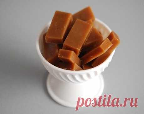 Приготовь молочную карамель по-домашнему. Самые простые продукты, а вкус — верх наслаждения!