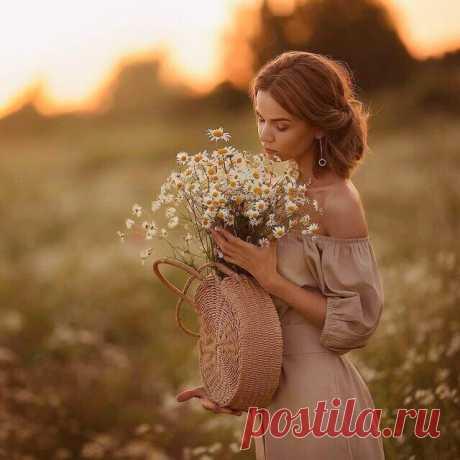 Счастье — это полюбить Жизнь так,  чтобы у неё была только одна альтернатива,  ответить взаимностью…    Гарри Симанович