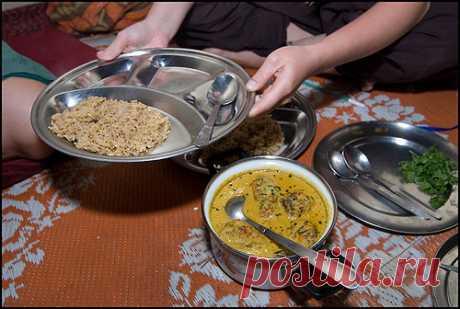 077 - 08.06.08 - Учимся готовить индийскую еду - Апшифтинг в Индии