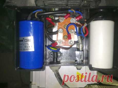 El calculador del cálculo de la capacidad de los condensadores de trabajo y de lanzamiento - todo muy simplemente