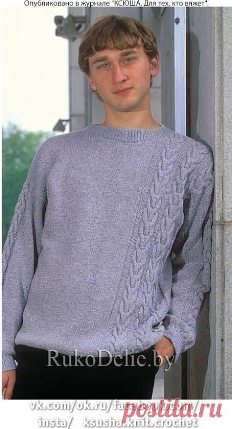 Вязанный спицами пуловер с ассиметричными жгутами