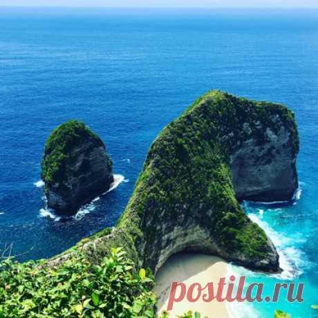Нуса Пенида - один из бесчисленных островов Индонезии. На нем живут сердечные люди, растут вкуснющие манго, которые можно собирать прямо с земли, и обитают невероятно красивые подводные существа! ------------------- Новые выпуски популярных программ в эфире «Моей Планеты»: