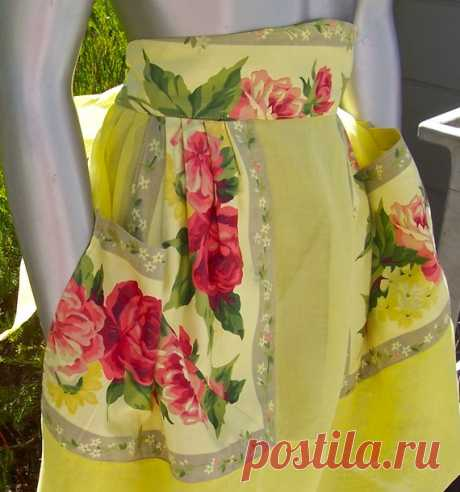 Vintage Mid Century Apron Decorator Chintz Yellow ..a fresh and sunny organdy apron, very well constructed, probably received a A in home ec - now in a very cheerful banana yellow.    Features:  2 pockets made from mitered chintz fabric  6.5 hem ending under pockets  3 wide waistband tapering to 2 on sides    a classic awesome apron!    waistband 16  ties 28  length 22  sweep 32    REAL VINTAGE - FRESHLY HAND DYED - ONLY THE COLOR IS NEW....WASH FAST.......MINTY    Vintage...