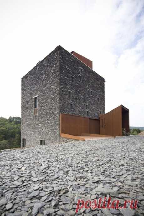 Подборка домов с каменной отделкой фасадов