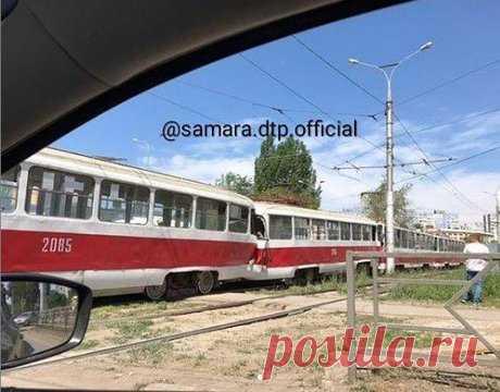 В Самаре на пересечении Ташкентской и Стара-Загора столкнулись трамваи