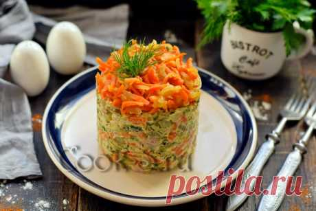 Салат Обжорка с мясом и солеными огурцами - рецепт с фото