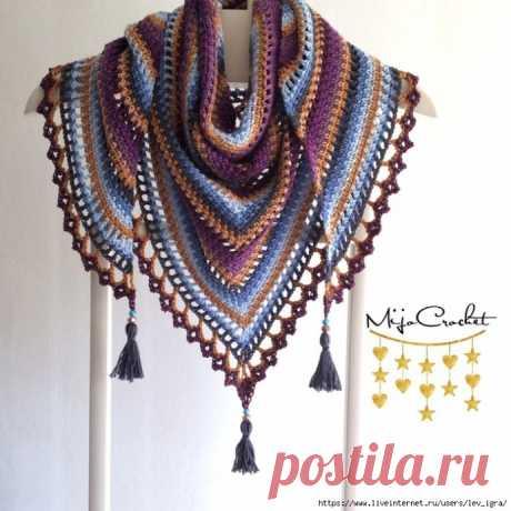 Очень красивая шаль, выполненная в разных цветах