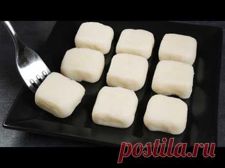Шоколадный рулет с крем-сыром, молочные конфеты, яблочное печенье