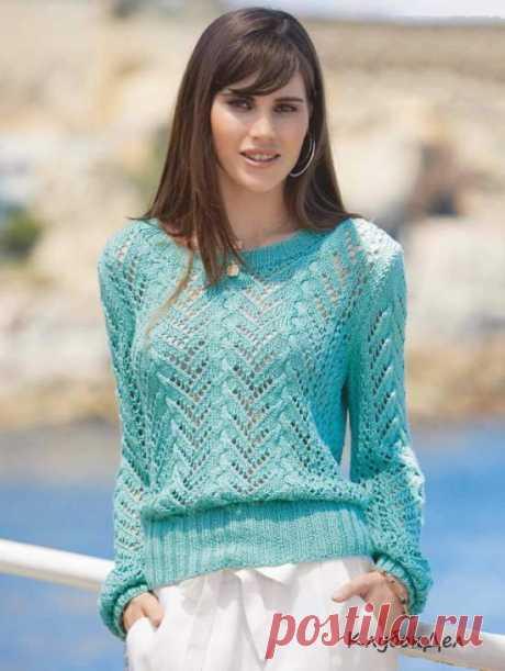 Ажурный пуловер с присборенными рукавами спицами