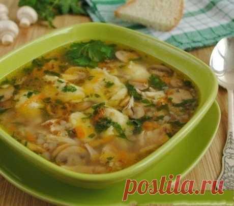Как приготовить гречневый суп с грибами и картофельными клецками - рецепт, ингридиенты и фотографии