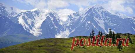 Горы на Алтае. Очень напоминают горы в Кыргызстане... Наверное, наши предки, нашли сходство с этими местами...