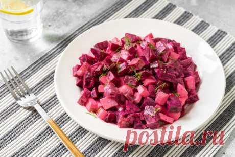 Салат из свеклы с огурцами может украить любое ресторанное меню