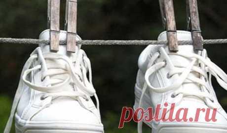 Несколько простых и действенных способов избавиться от неприятного запаха обуви!