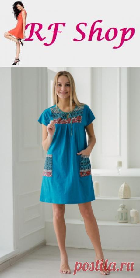 """Трикотажное платье """"Рузанна"""" изготовлено из легкой и приятной к телу натуральной ткани кулирка. Модель с короткими рукавами, накладными карманами и округлой горловиной, дополненной небольшим вырезом-каплей на завязке. Оригинальная расцветка в сочетании с удобным фасоном сделают платье """"Рузанна"""" незаменимой вещью в вашем гардеробе."""