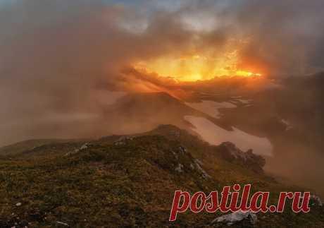 Адыгейский закат со смотровой площадки Пупырь ежа
