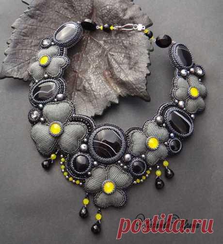 """Купить Колье """" Grey flowers"""" - темно-серый, колье, ожерелье, Вышивка бисером"""