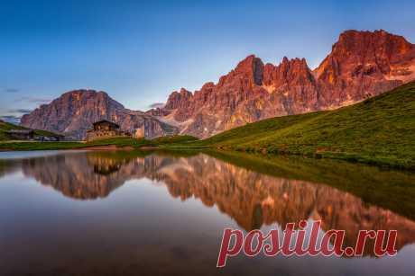 Dolomites - Baita Segantini Explore Jorge M. Rosa's photos on Flickr. Jorge M. Rosa has uploaded 390 photos to Flickr.
