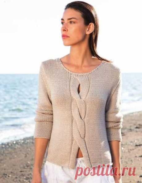 Вязаный пуловер с косой по центру