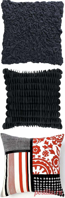 Several original pillows \/ Pillows \/