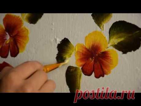 Роспись стены в детском саду у дочери.