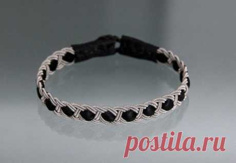 We spin the hands a bracelet from a band. \/ diyideas.ru