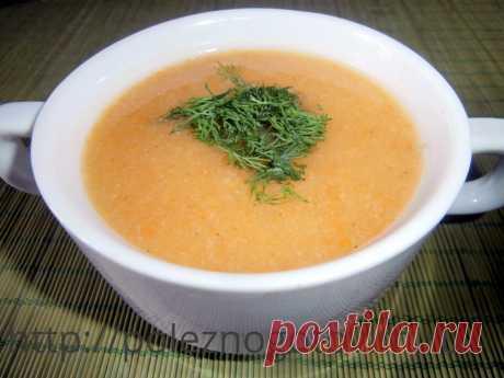 Диетический суп-пюре с кабачками и цветной капустой Этот потрясающе вкусный и простой диетический суп-пюре готовится только из овощей и без мяса. Овощи можно использовать любые. Это рецепт здорового питания.