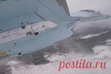 Бомбежку Су-35С показали от первого лица Учения летчиков Су-35С Западного военного округа по практическому бомбометанию запечатлели на видео. Запись с камер, в том числе, от первого лица,