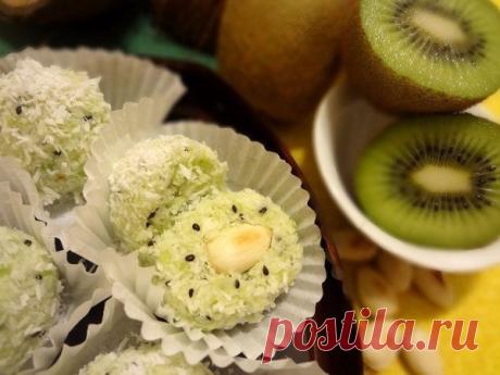 Полезный десерт с киви и орехами