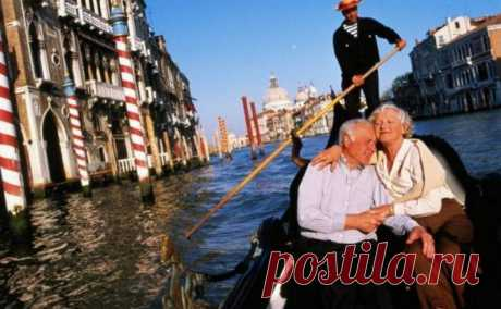 Вслед за Францией и Польшей пенсионный возраст до физиологически разумного снижает Италия По сообщению агентства ANSA (показательно замалчиваемому в России), вечером 17 января правительство Италии в соответствии с ранее принятыми планами и предвыборными обещаниями входящих в него партий пр…