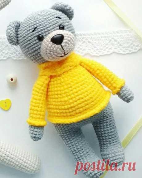 """Бесплатный МК от @lenabusinka18 """"Мишка в свитере"""". Простая схема вязания, подходит для начинающих"""