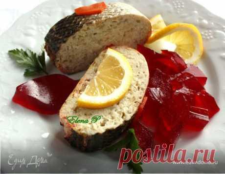 Фаршированная рыба (Гефилте фиш). Ингредиенты: карп, яйца куриные, вода