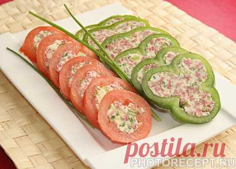 Закуска – фаршированные овощи с сыром и колбаской - рецепт с фото пошагово Закуска – фаршированные овощи с сыром и колбаской - пошаговый кулинарный рецепт приготовления с фото, шаг за шагом.