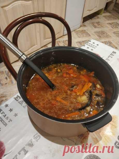 Готовим лагман собственное фото Здравствуйте, уважаемые читатели! Сегодня сделаем лагман в мультиварке. Лагман – это блюдо среднеазиатской и восточной кухни. Он готовится овощ