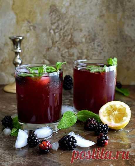 Рецепт полезного домашнего ежевичного лимонада В жаркую погоду все мы обожаем выпить стакан прохладной газировки. Но подобный продукт не несёт абсолютно никакой пользы нашему организму, а скорее наоборот-только вредит. Ароматизаторы, огромное количество рафинированного сахара, усилители вкуса и красители-в это находится в лимонадах, которые...