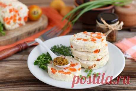 Колбаса из куриного филе с овощами на 100грамм - 91.1 ккалБ/Ж/У - 15.98/1.63/2.1  Ингредиенты: Куриное филе - 2 шт Показать полностью…