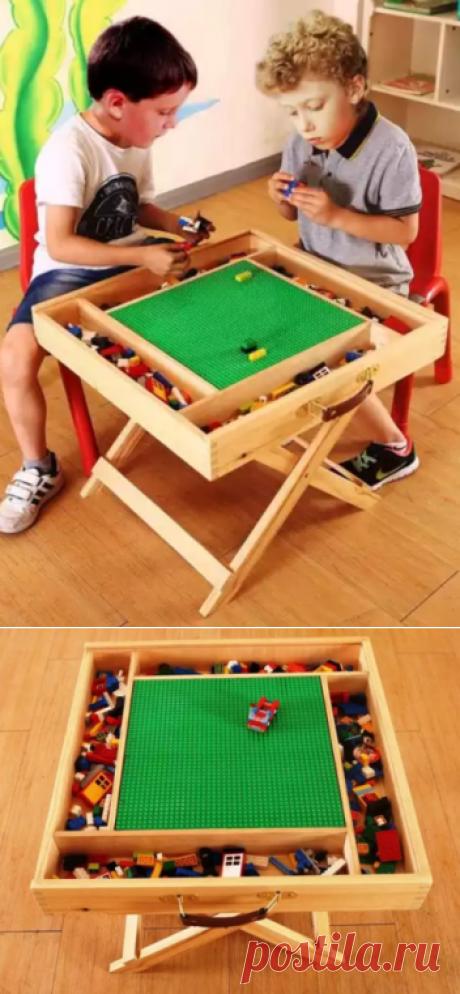 Многосекционный большой LEGO стол+чемодан Для больших игр в ЛЕГО. ЛЕГО полотно находится в центре, вокруг которого располагаются от 4 до 12 отсеков для хранения ЛЕГО. Особо удобен для сборки ЛЕГО строений - замков, башен, домов, больниц и т.д. Пакеты с частями высыпаете в раные секции и отуда начинаете сборку. Части не теряются, их удобно брать и легко сортировать и хранить.  Дополнительно можно