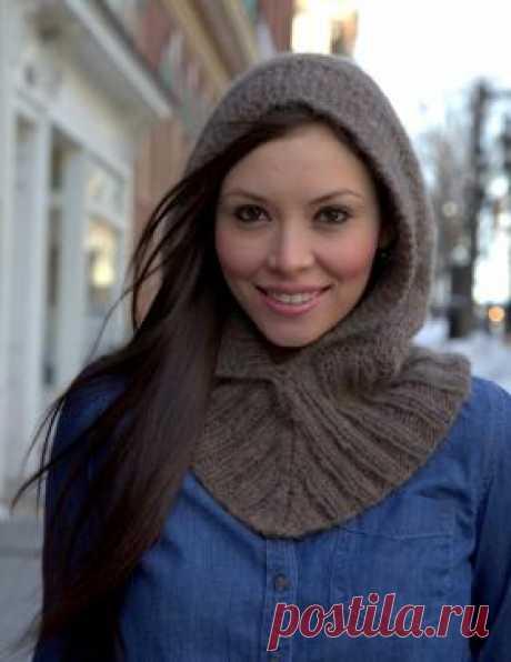 La snud-capucha Caliente snud la capucha por los rayos para las mujeres, vinculado del hilado de lana del espesor medio. La labor de punto del producto comienza con snuda en redondo por la goma...